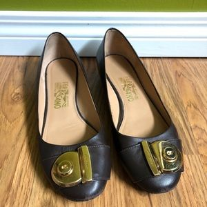 Salvatore Ferragamo Brown Leather Ballet Flats.